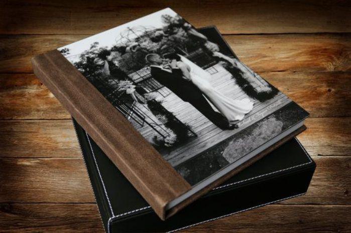 Album ảnh cưới với bìa bằng mica