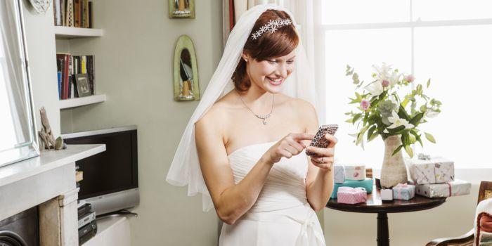 Lời mời đám cưới qua điện thoại